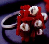 非常适合新婚男女佩戴的红色恋情手链和戒指