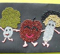 用豆子手工制作的儿童创意拼贴画