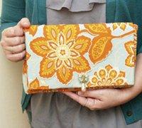 手工制作精美的立体花朵印花图案手拿包