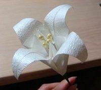 折纸百合花的折叠教程 百合花的折法