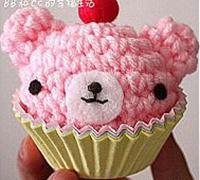 毛线编织的蛋糕小熊的方法