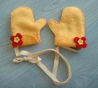 用不织布制作可爱的宝宝小手套