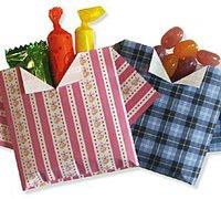 一款衣服形状的小袋子折纸图解