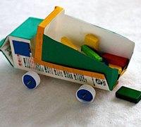 牛奶盒变废为宝 变身可爱的小汽车儿童玩具
