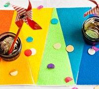 制作美丽的羊毛毡彩虹桌布的手工教程