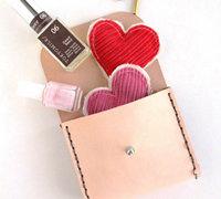 简易的皮革收纳包、化妆包的制作方法