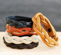 皮革编织手链教程 简约时尚的皮革手链