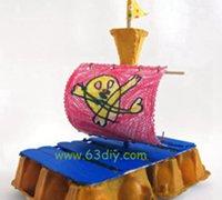 鸡蛋托变身家居艺术装饰品 海盗船的手工制作