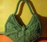 用温暖的毛线编织一款与众不同的可爱包包