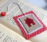 可爱的红房子图案十字绣小挂饰diy图解