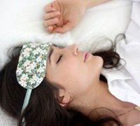 漂亮的小碎花睡眠眼罩手工制作图解