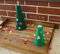 一起用不织布diy一棵温馨的圣诞树
