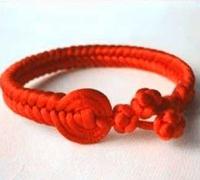 《陆贞传奇》中的红绳手链编法图解 怎么编中国结手链