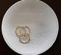 蕾丝花纹的粘土盘子diy图解