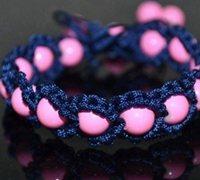 华丽丽的串珠手镯编绳手工图解