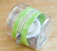 矿泉水瓶废物利用diy带拉链的收纳盒