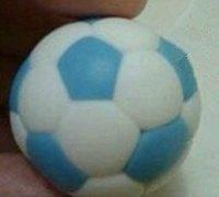 用粘土制作足球 逼真的粘土足球制作图解