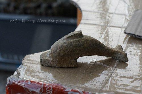 可爱的小海豚手工木雕图片教程