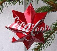 易拉罐废物利用手工制作立体五角星挂饰