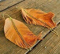 用皮革制作一款时尚的羽毛挂件教程