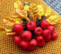 软陶手工制作颜色红火的花揪树浆果发夹