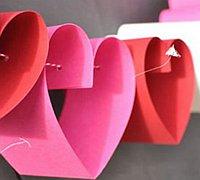 情人节花环手工制作 纸艺爱心花环制作图解