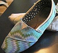 旧鞋子改造过程图片 旧鞋子变身时尚靓鞋