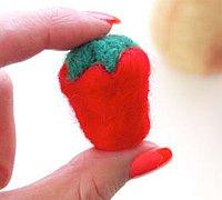 羊毛毡戳戳乐草莓的做法图解