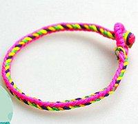 细气清爽的彩色手链编织教程