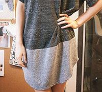 两件纯色t恤改造时尚的撞色连衣裙