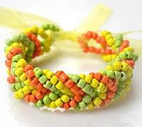 秋天果实般的串珠手链编织方法