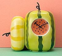 独具美感的水果灯具和水果钟表
