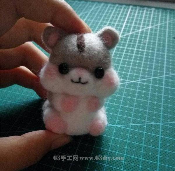 吃瓜子的小仓鼠羊毛毡玩偶制作教程