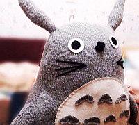 http://www.63diy.com旧毛衣diy改造可爱龙猫抱枕
