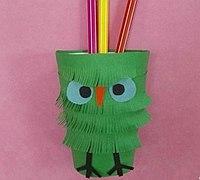 一次性纸杯制作可爱的鹦鹉笔筒