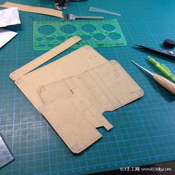 便于携带的轻便皮革小钱包的制作方法_63手工网