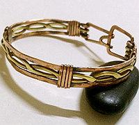 美观大方的铜丝绕线手镯教程