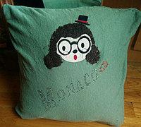 http://www.63diy.com旧毛衣废物利用改造温暖抱枕套