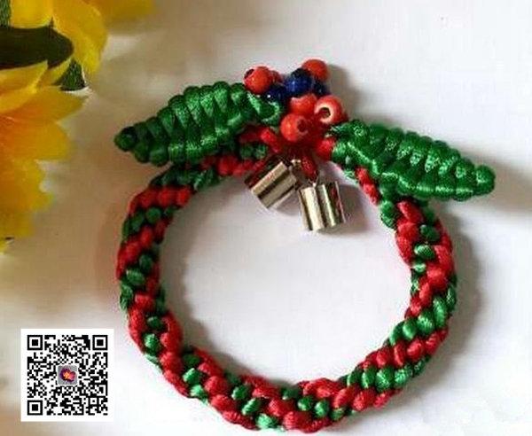编绳手工 > 圣诞手链编绳手工教程图解      1,4根80cm长的5号 中国结