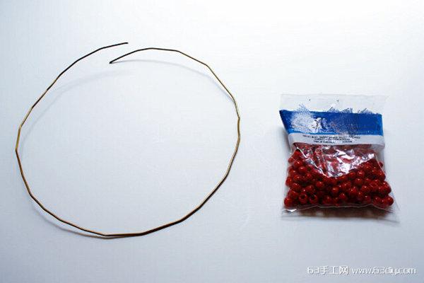 木夹制作简单的圣诞花环挂件_63手工网