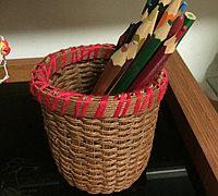 用纸藤编个漂亮的小笔筒