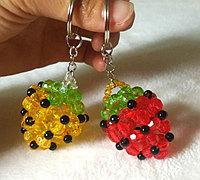 串珠草莓草莓钥匙扣挂饰制作方法