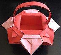 花朵形状的纸篮子折法教程