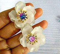 磨砂花瓣串珠花朵的diy教程
