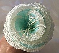 皱纹纸diy双色海棠花