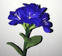 皱纹纸蓝雪花的做法