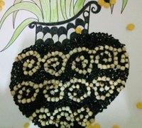 用五谷杂粮拼贴出小清新花瓶的粘贴画